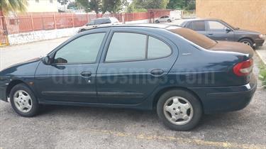 Foto venta carro usado Renault Megane Sinc. (2001) color Verde precio u$s1.300