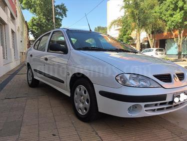 Foto venta Auto Usado Renault Megane Tric 1.6 Pack GNC (2006) color Blanco precio $128.000