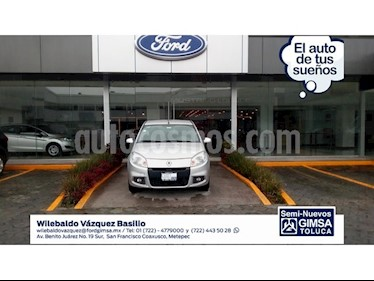 Foto venta Auto Seminuevo Renault Sandero Dynamique Aut (2015) color Plata precio $118,000