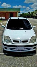 foto Renault Scénic Sinc. 1.6 usado (2002) color Blanco Cosmic precio BoF130.000.000