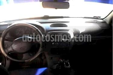 Foto venta carro usado Renault Symbol Sinc. (2002) color Azul precio u$s1.300