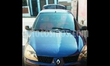 Foto venta carro Usado Renault Symbol Sinc. (2005) color Azul precio u$s1.600