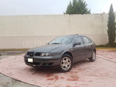 Foto venta Auto Seminuevo SEAT Leon Signo Aut 1.8L (125Hp) (2002) color Carbon precio $83,000