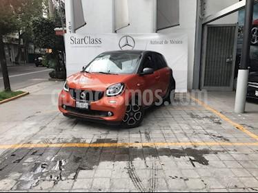 Foto venta Auto Seminuevo smart Forfour Passion (2017) color Blanco precio $300,000