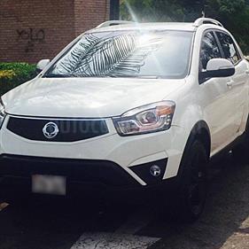 Foto venta Auto usado Ssangyong Korando 4x2  Aut (2014) color Blanco / Gris Urbano precio u$s14,700