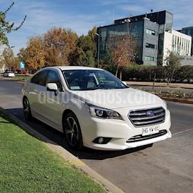 Subaru Legacy  2.5i AWD CVT Premium usado (2015) color Blanco Perla precio $12.200.000