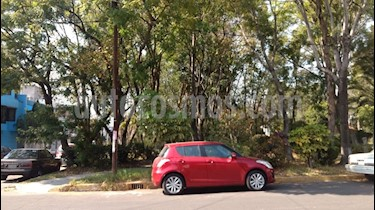 Foto venta Auto Seminuevo Suzuki Swift GLX (2016) color Rojo Rock precio $170,000