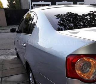 Foto venta Auto Usado Toyota Avensis 2.0 VVT-i MT (2006) color Gris precio $238.000
