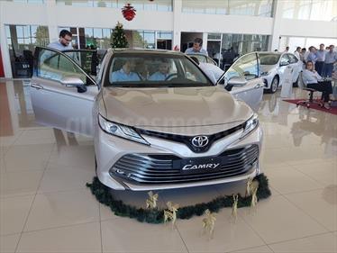 Foto Toyota Camry 3.5 V6 Aut usado (2020) color Gris Plata  precio u$s58.900