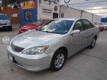 Foto venta Auto usado Toyota Camry LE 2.4L (2006) color Plata Calido precio $85,000