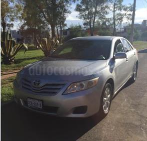 Foto venta Auto Seminuevo Toyota Camry LE 2.5L (2010) color Plata precio $145,000