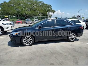Foto venta Auto Seminuevo Toyota Camry XLE 2.5L Navi (2017) color Azul Oscuro precio $365,000