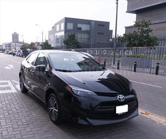 Toyota Corolla  1.8L Full Aut usado (2017) color Negro Noche precio u$s17,500