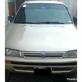 Foto venta carro usado Toyota Corolla Gli L4,1.8i A 1 1 (1998) color Beige precio u$s2.100