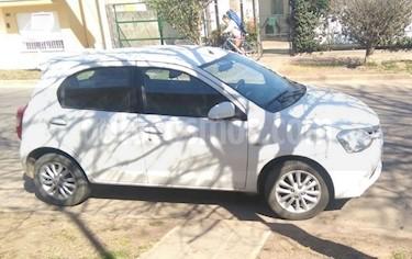 Foto venta Auto Usado Toyota Etios Hatchback XLS (2013) color Blanco