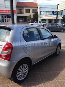 Toyota Etios Hatchback XLS nuevo color Gris Plata  precio $460.000