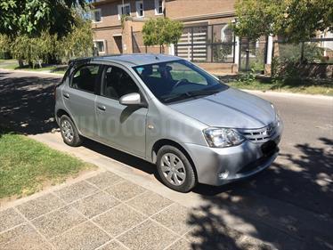 foto Toyota Etios Hatchback XS