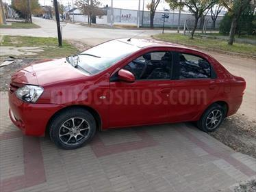 Foto venta Auto Usado Toyota Etios Sedan XS (2014) color Rojo precio $200.000