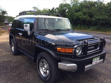 Foto venta Auto Seminuevo Toyota FJ Cruiser Premium (2008) color Negro precio $225,000