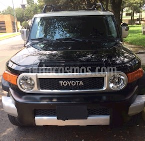 Foto venta Auto Seminuevo Toyota FJ Cruiser Premium (2008) color Negro precio $214,000