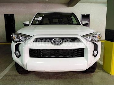 Foto venta carro usado Toyota Fortuner 4.0L Aut 4x4 (2016) color Blanco precio BoF1.170.145.152