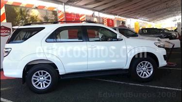 Foto venta carro Usado Toyota Fortuner 4.0L Aut 4x4 (2015) color Blanco precio BoF14.300