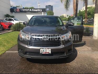 Foto venta Auto Seminuevo Toyota Highlander LE (2014) color Gris Metalico precio $369,000