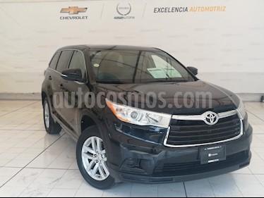 Foto venta Auto Seminuevo Toyota Highlander LE (2015) color Negro Onix precio $359,000