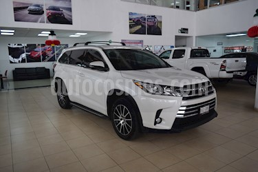 Foto venta Auto Seminuevo Toyota Highlander Limited Panoramic Roof (2017) color Blanco Perla precio $630,001