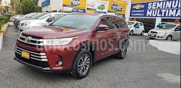 Foto venta Auto Seminuevo Toyota Highlander XLE (2017) color Vino Tinto precio $473,900