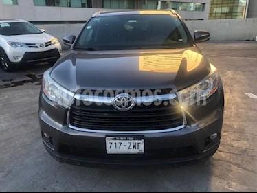 Foto venta Auto Seminuevo Toyota Highlander XLE (2015) color Gris precio $399,000