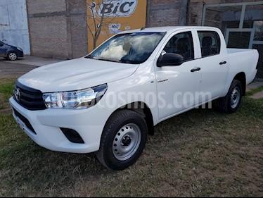Toyota Hilux 2.4 4x2 TDi DC usado (2018) color Blanco precio $2.200.000