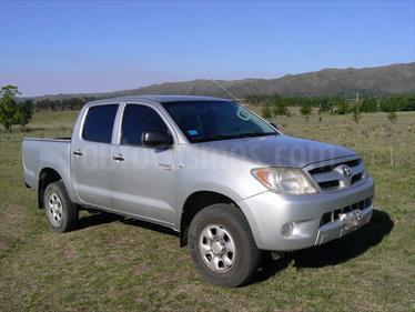 Foto venta Auto Usado Toyota Hilux 2.5 4x2 DX DC (2007) color Plata Metalizado precio $275.000
