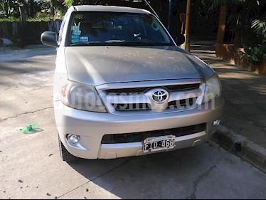 Toyota Hilux 2.5 4x2 DX DC usado (2006) color Gris precio $56.000