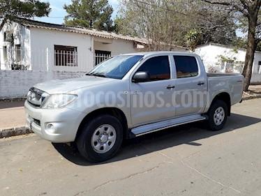 Foto venta Auto Usado Toyota Hilux 2.5 4x2 DX TDi Pack DC (2010) color Plata Metalico