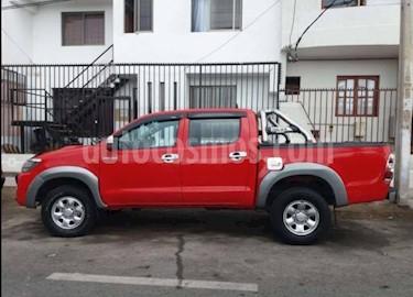 Toyota Hilux 2.5 4X4 Cabina Doble Active  usado (2015) color Rojo precio $11.000.000