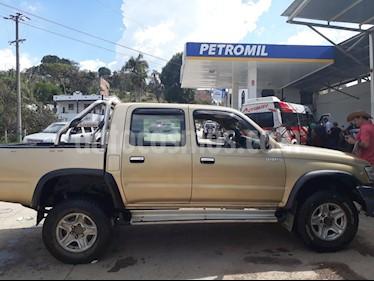 Foto venta Carro Usado Toyota Hilux 2.5L 4x2 TDi DC (2004) color Beige precio $33.000.000