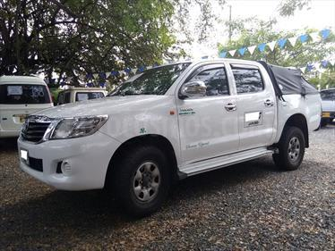 Toyota Hilux 2.5L 4x4 DC Diesel  usado (2013) color Blanco precio $75.000.000