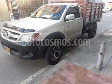 Toyota Hilux 2.7L 4x2 Chasis  usado (2008) color Plata precio $38.000.000
