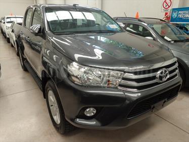Foto venta Auto Usado Toyota Hilux 2.8 4x2 SRV TDi DC (2017) color Gris Oscuro precio $680.000