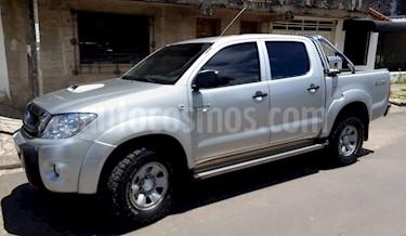 Foto venta Auto Usado Toyota Hilux 3.0 4x2 SR TDi DC (2010) color Plata