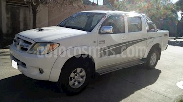 foto Toyota Hilux 3.0 4x2 SRV TDi DC usado (2006) color Blanco precio $520.000