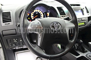 Foto venta Auto usado Toyota Hilux 3.0L TD 4x4 CD SRV Aut (2015) color Gris Oscuro precio u$s7,800
