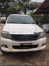 Toyota Hilux 4x2 CD Diesel usado (2014) color Blanco precio u$s30.000