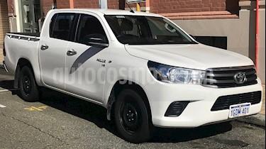 Foto venta carro usado Toyota Hilux Cab. Sencilla Sinc. 4x2 (2015) color Negro precio BoF16.800.000