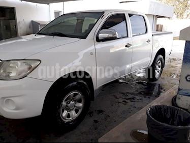 Foto venta Auto Seminuevo Toyota Hilux Cabina Doble SR (2014) color Blanco Perla precio $97,000