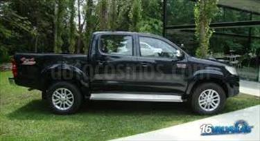 Foto venta carro usado Toyota Hilux Doble Cabina 4.0L 4x4 Aut (2016) color Negro precio u$s250.000.000