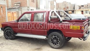 Toyota Hilux Doble Cabina Pick-up 4x2 L4,2.4,8v A 1 3 usado (1984) color Rojo precio u$s6,300
