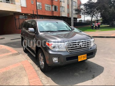 Toyota Land Cruiser 200 4.5L Elite Diesel  usado (2014) color Gris Metalico precio $255.000.000