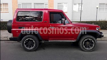 Toyota Land Cruiser 200 CabinadoA-A Part usado (1998) color Rojo precio $52.000.000